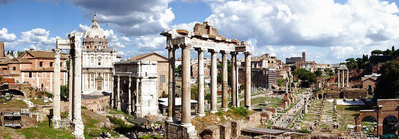 Sur La Liste Des Visites Incontournables A Faire Rome Il Y Bien Le Forum Romain Foro Romano En Italien Sans Doute Aussi Celebre Que Colisee