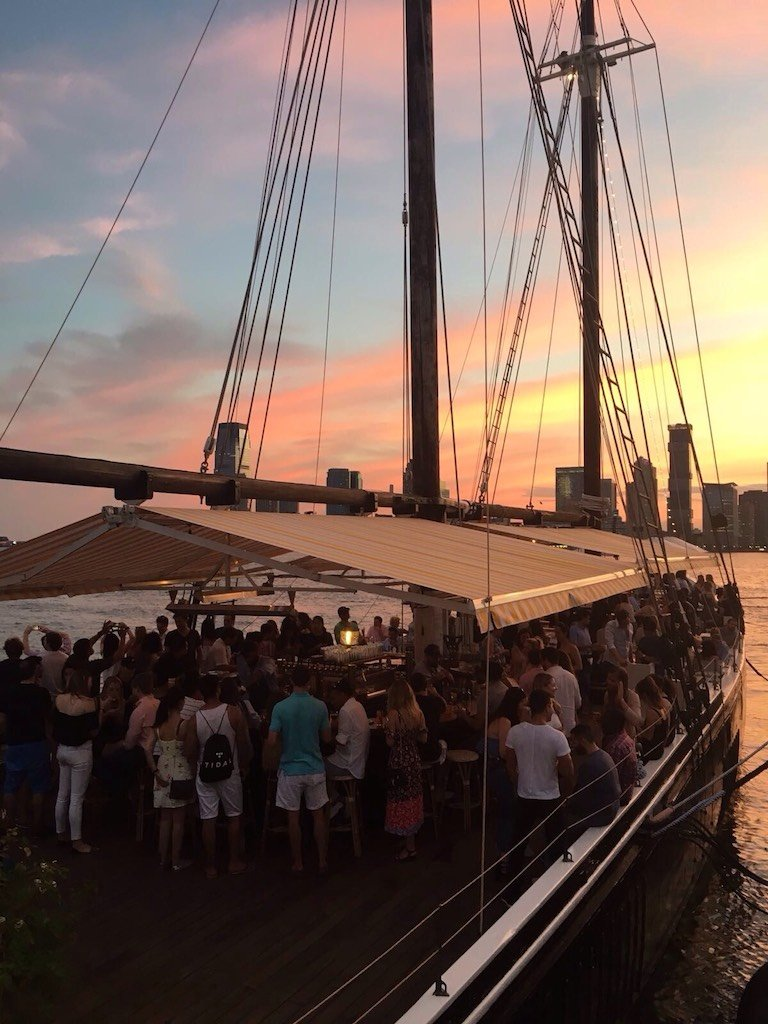 restaurant-bateau-grand-banks-new-york